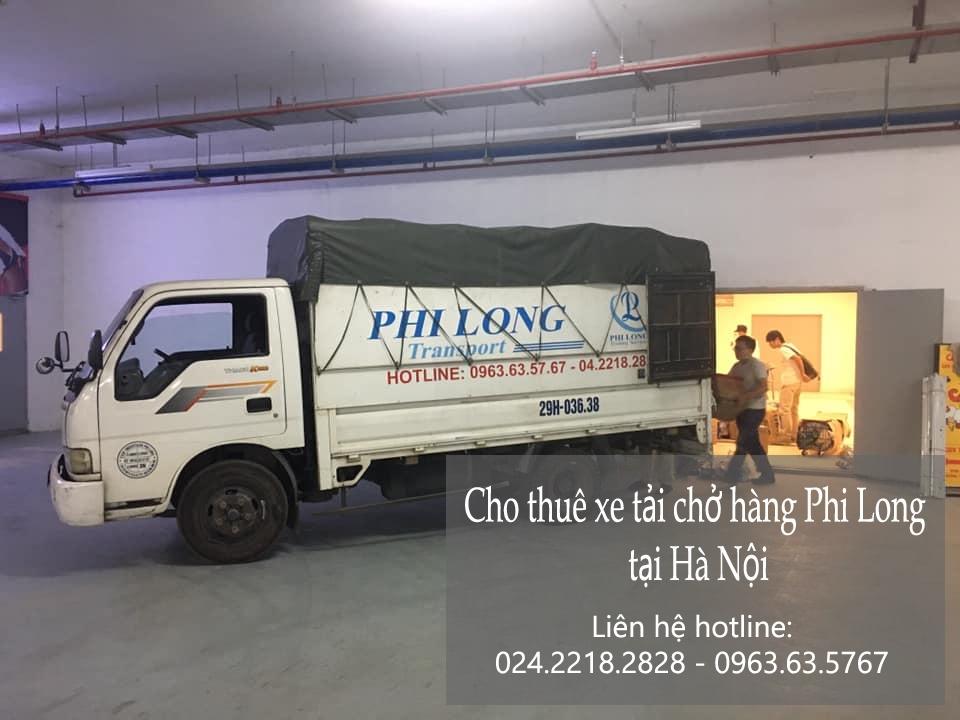 Phi Long xe tải chở hàng Tết tại xã Tuy Lai