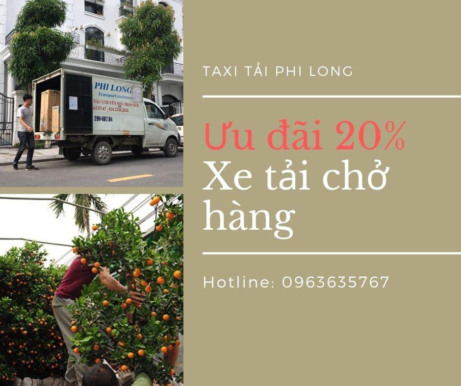 Xe tải Phi Long chở hàng tại xã Đốc Tín