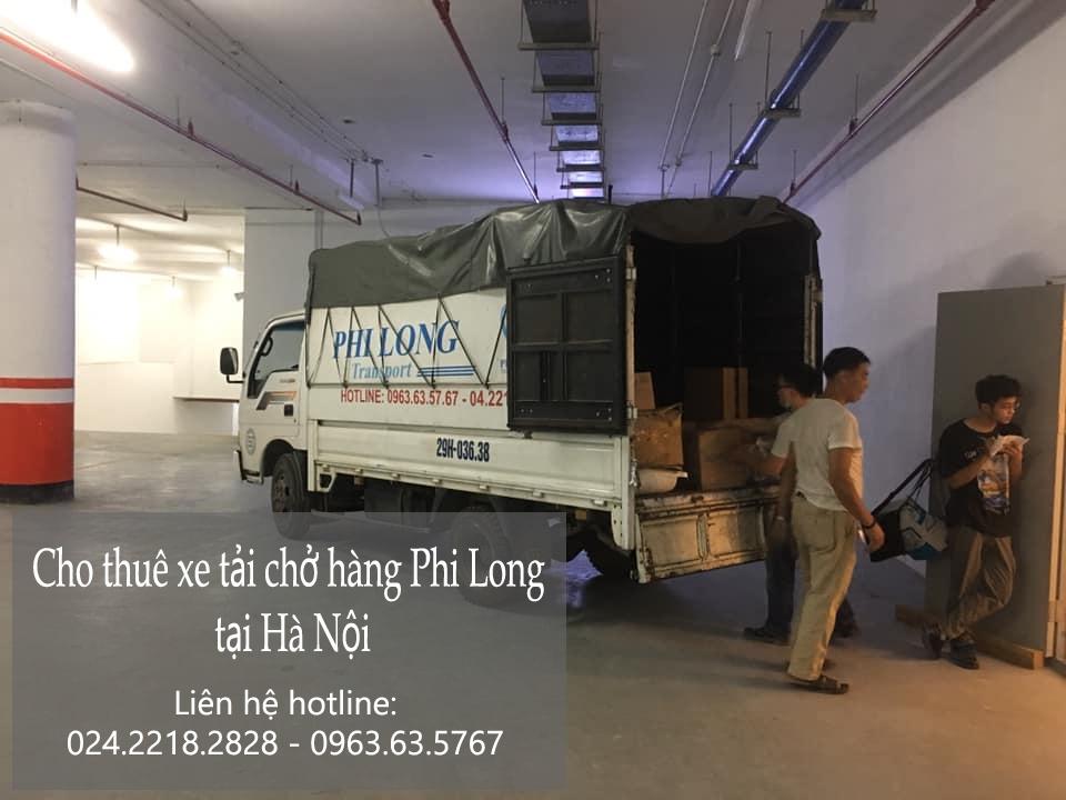 Xe tải chở hàng tại xã Hữu Văn