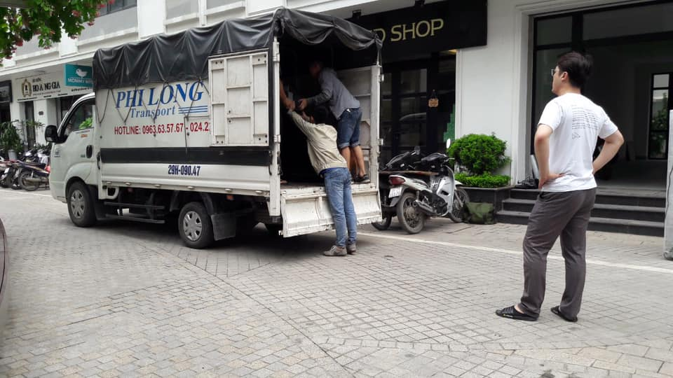 Hãng taxi tải Phi Long tại phố Đặng Vũ Hỷ